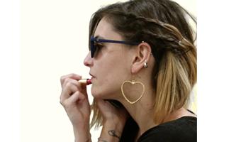 orecchini in ottone a forma di cuore