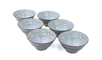 ciotola ceramica con ramo ciliegio