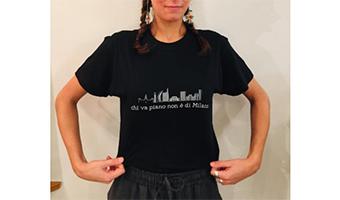 t-shirt chi va piano non è di milano