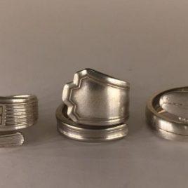 anello realizzato con posate