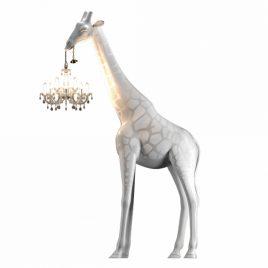 giraffe in love